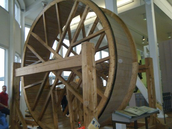 Technoseum Mannheim (ehemals Landesmuseum für Technik und Arbeit):                   The giant gerbil wheel that kids can walk in and see how gears make it easier