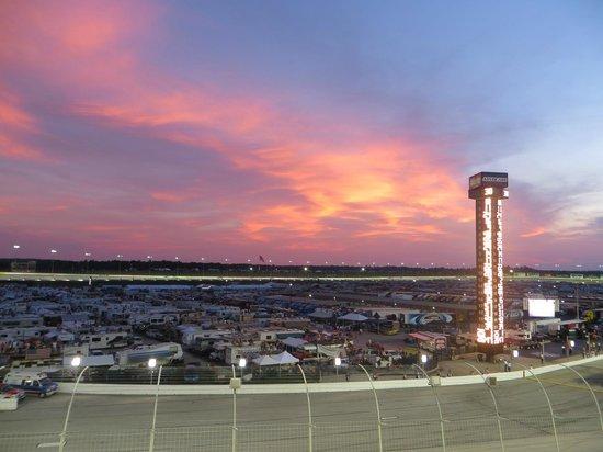 Atlanta Motor Speedway: Night sky