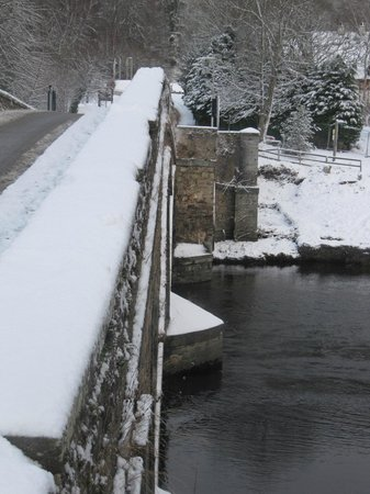 Mains of Taymouth Cottages:                                     Kenmore Bridge