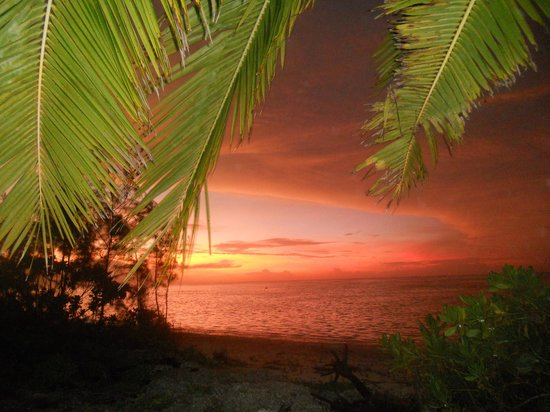 Aitutaki Seaside Lodges:                   Sunset dreams