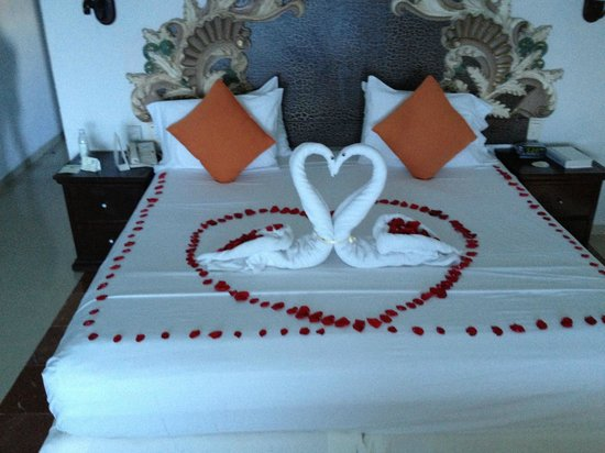 Gran Caribe Resort:                   Special Anniversary Treatment