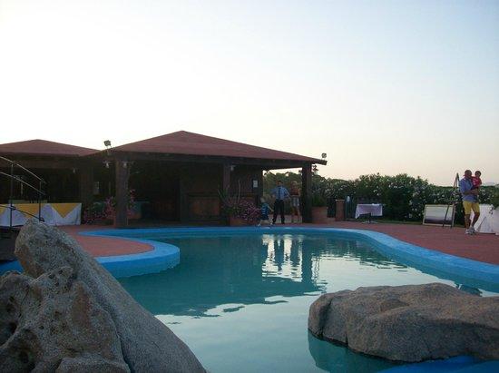 Villaggio Baia dei Pini:                   piscina