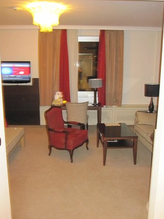 Althoff Hotel Am Schlossgarten: #Junior suite 614