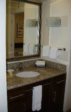 Residence Inn Toledo Maumee:                   Clean, essential but all you need is in it!