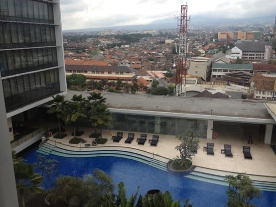 هيلتون باندونج:                   view from my room 10th floor                 