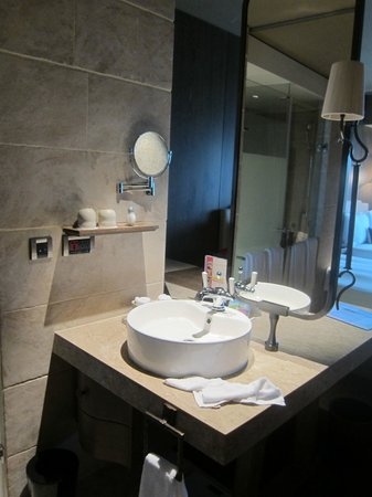 Palais de Chine Hotel:                   Wash area