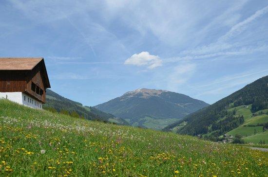 Hotel Bad Schoergau:                   Wanderung vom Hotel
