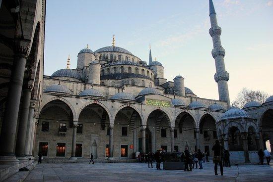 Diva's Hotel:                                     Blue Mosque