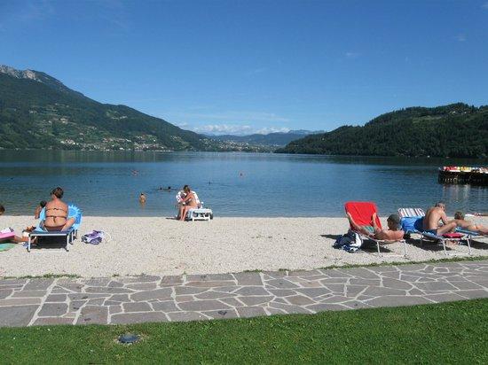 Garni Bellavista:                   vista lago