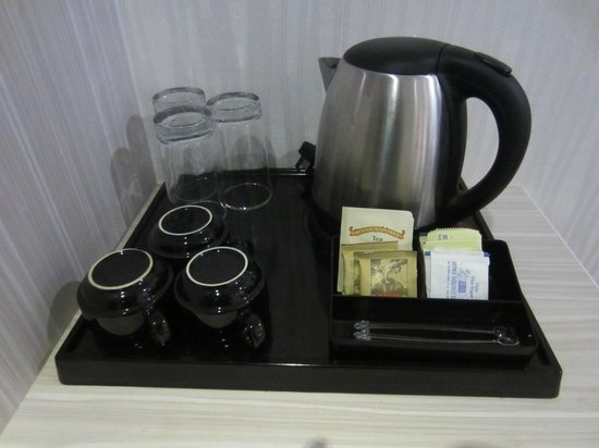Venus Boutique Hotel: Coffee & tea facility in room