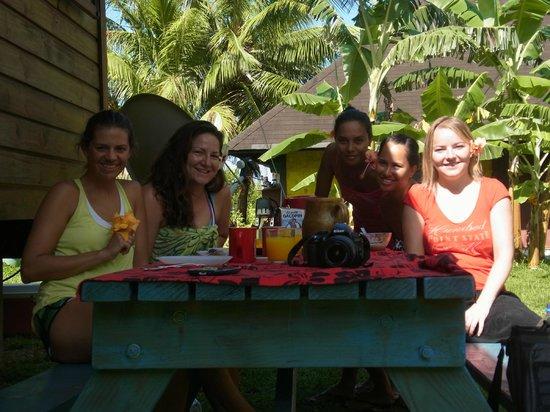 Moorea Surf Inn:                   Breakfast