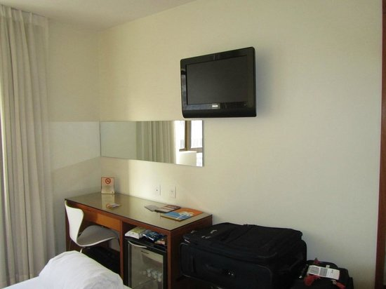 Mar Ipanema Hotel:                   Desk Area and Flat screen TV