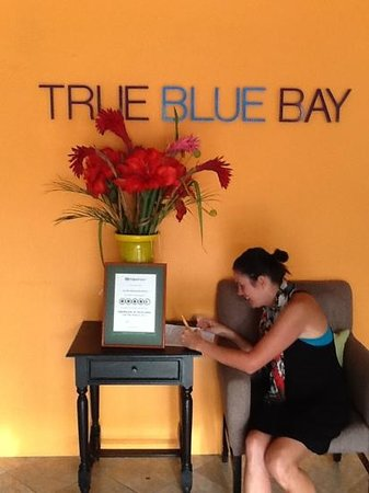 True Blue Bay Boutique Resort: hotel lobby