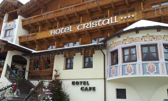 Sporthotel Cristall: esterno della facciata