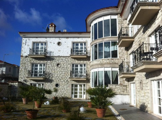 Imren Han Hotel & Mansions:                   otelin ic bahceden gorunumu
