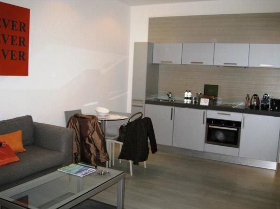 Templeton Place Aparthotel:                                     Kitchenette