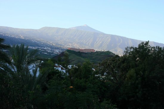 Hotel Botanico & The Oriental Spa Garden:                   Mount Tiede in the early morning mist