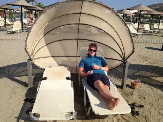 Kipriotis Village Resort:                   Cool beach beds