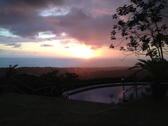Vista Ballena Hotel:                   sunset over the ocean from the pool