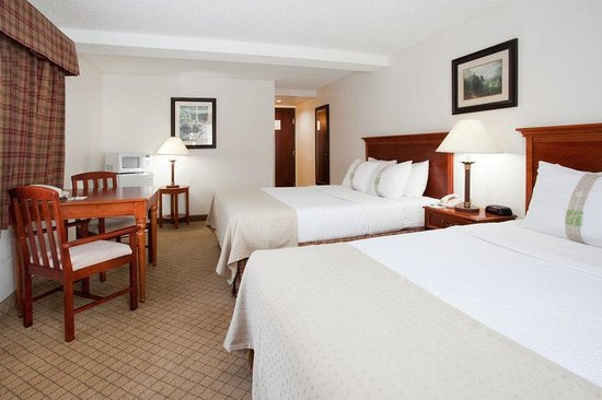Holiday Inn Vail - TEMPORARILY CLOSED: Queen Bed Guest Room