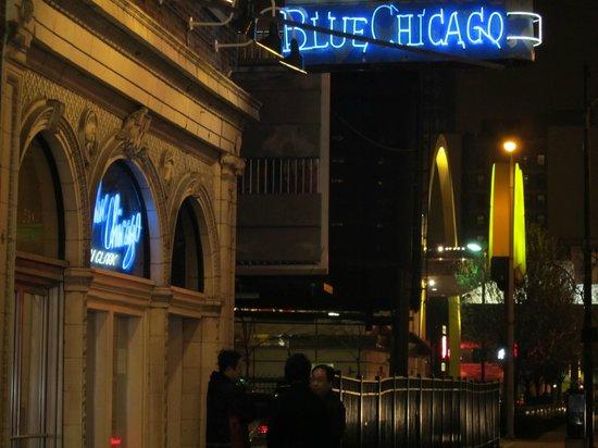 Hotel Felix:                   Al final de la valla, a la izquierda, está el hotel.