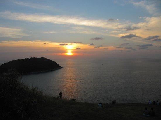 Nai Harn Beach :                   Смотровая площадка недалеко от пляжа