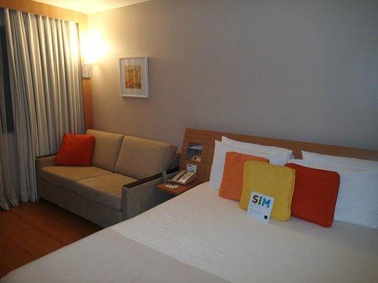 Novotel RJ Santos Dumont:                   Bed and sofa