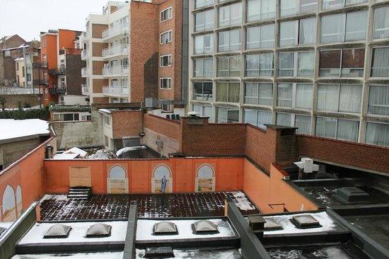 هوتل بروكسل:                   vue du balcon du duplex                 