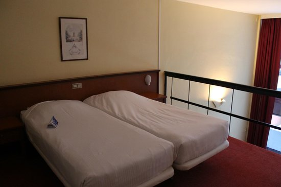 Hotel Brussels:                   chambre d'en haut