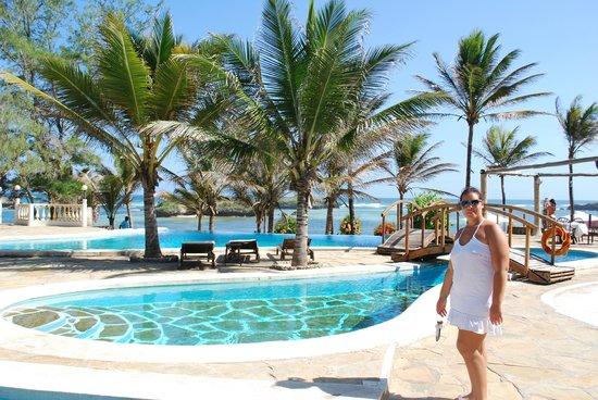 Aquarius Club International Resort:                   piscina