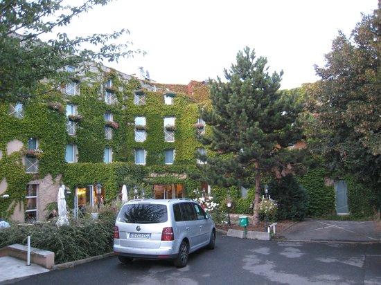 Hotel Air Plus Orly :                   ホテル外観