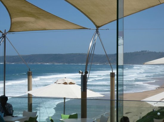 Views Restaurant: Restaurant that has such a lovely view of the sea and beach