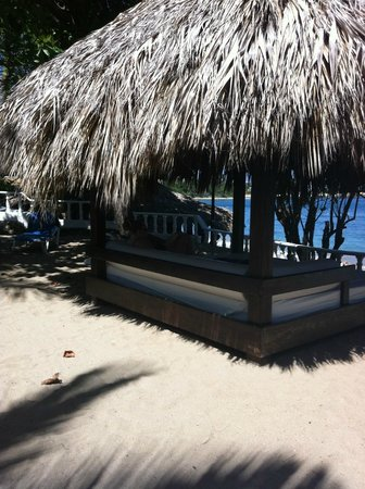 The Tropical at Lifestyle Holidays Vacation Resort:                   Our king sized beach bed..zzzzzz