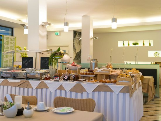 Gioiosa Active & Family Hotel : Buffet