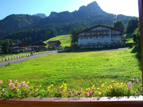 Hotel Scoiattolo:                   Panorama dalla camera