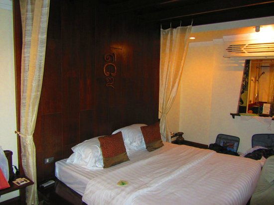B2 Ayatana Premier Hotel & Resort: Bed