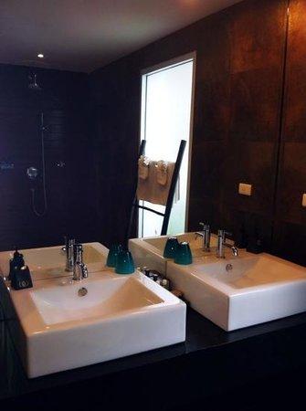 Mantra Samui Resort:                   salle de bain chambre cosy