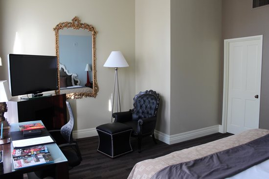 Kimpton Alexis Hotel: Large room