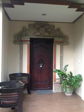 Bali Ayu Hotel:                                     entrance to my villa