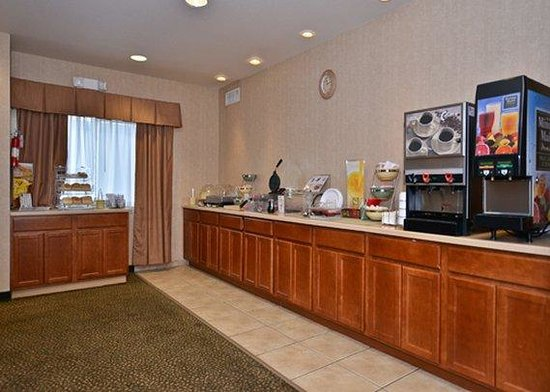 ‪‪Quality Inn and Suites, Sequim‬: Breakfast Room‬