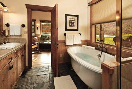 Sorrel River Ranch Resort and Spa: Suite and Bath