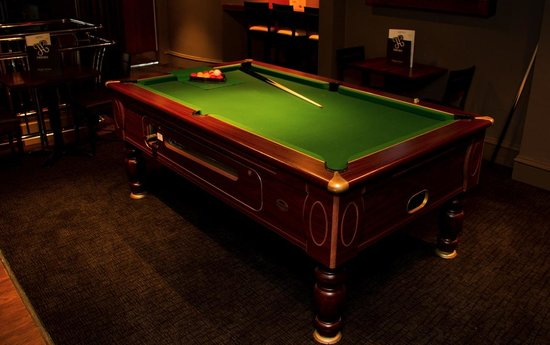 Pacific House: Upstairs pool table