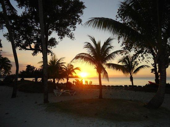 Hotel Riu Palace Tropical Bay:                   De magnifiques couchers de soleil !