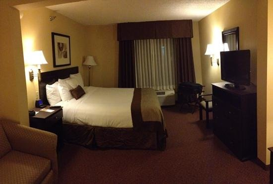 Wingate by Wyndham Cincinnati/Blue Ash:                                     Our room