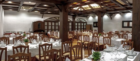 restaurante de los espejos na slici je hotel asador