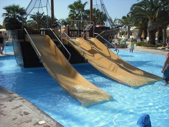 Olympic Lagoon Resort:                   pirate ship pool