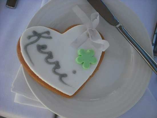 Olympic Lagoon Resort:                   personalised biscuits at the wedding reception