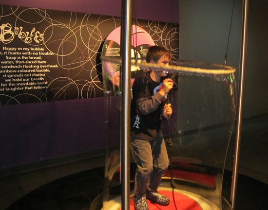 Montreal Science Centre:                   Science 26