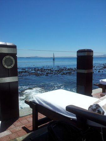 Radisson Blu Hotel Waterfront, Cape Town:                   My office for the week ;)