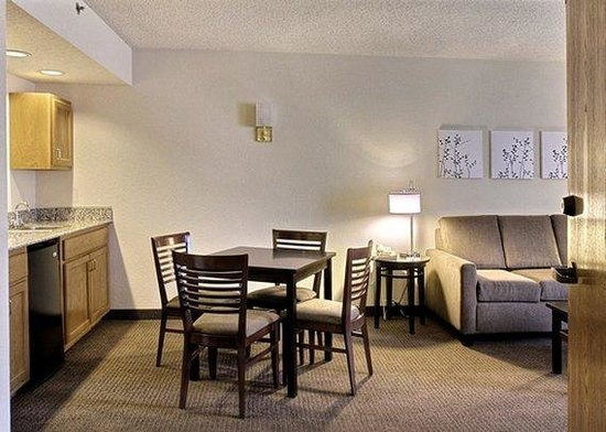 Sleep Inn : King Suite living room
